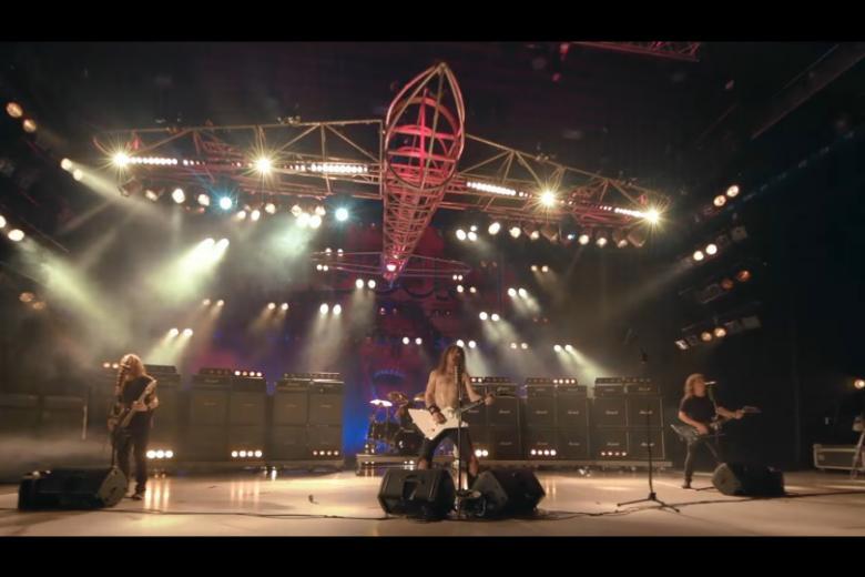 L'hommage d'AIRBOURNE à Lemmy