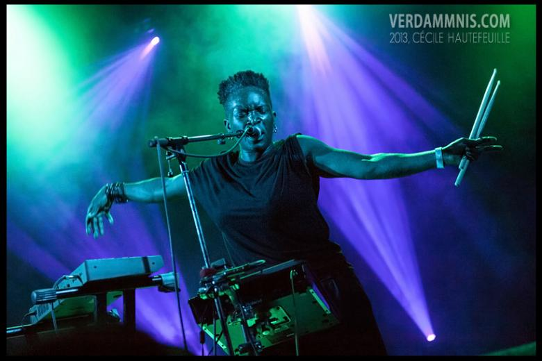 Light Asylum @ Summer Darkness Fest. - Utrecht (2013-07-28)