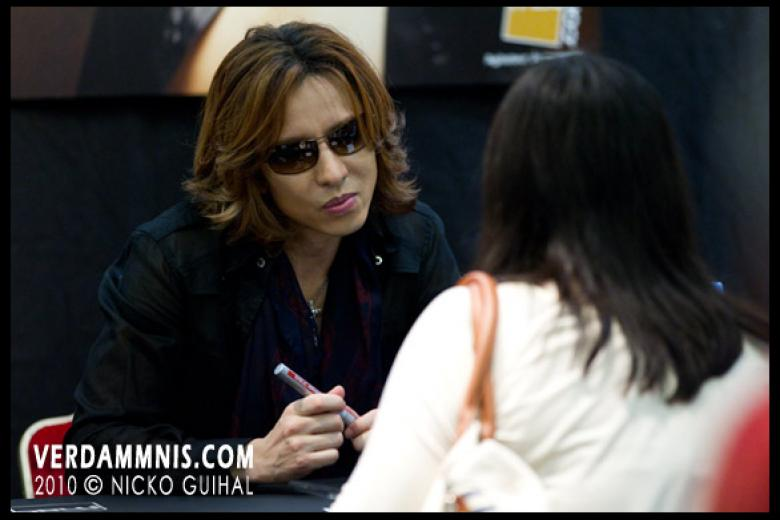 X-Japan @ Fnac - Paris (2010-07-03)