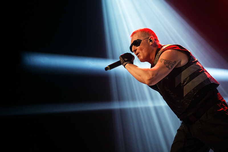 Live report : Front 242