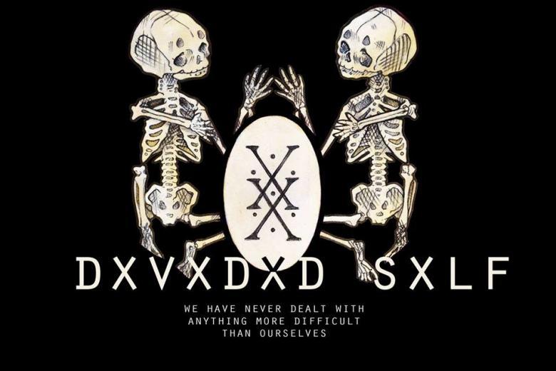 DXVXDXD SXLF sort deux vidéos d'un coup