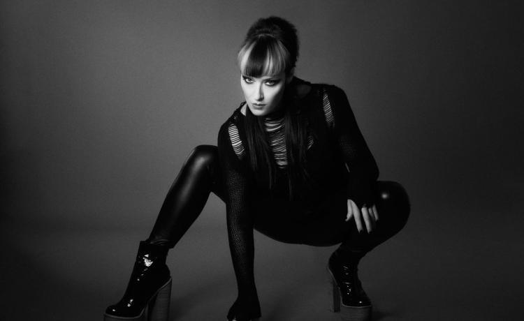 Lucia Cifareli a un deuxième album solo sous le coude