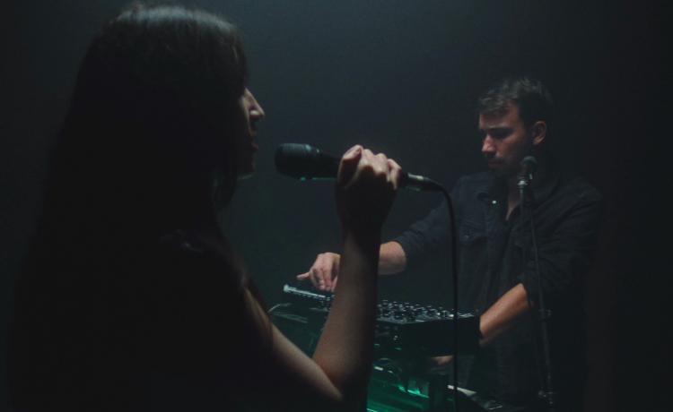 Ren Toner (techno / darkwave) partage une session live